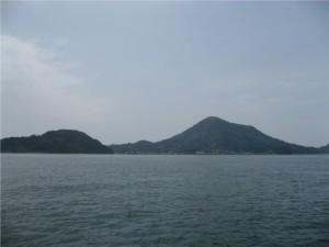 4 高浜から見た興居島