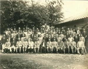 18 内務省新潟土木出張所職員(最前列右側7人目青山、8人目宮本)
