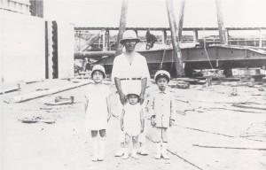 21 可動堰工事現場での武之輔と子供たち